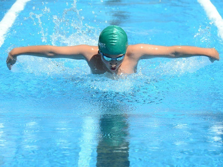 Two new records at the Boys' School Swimming Sports!