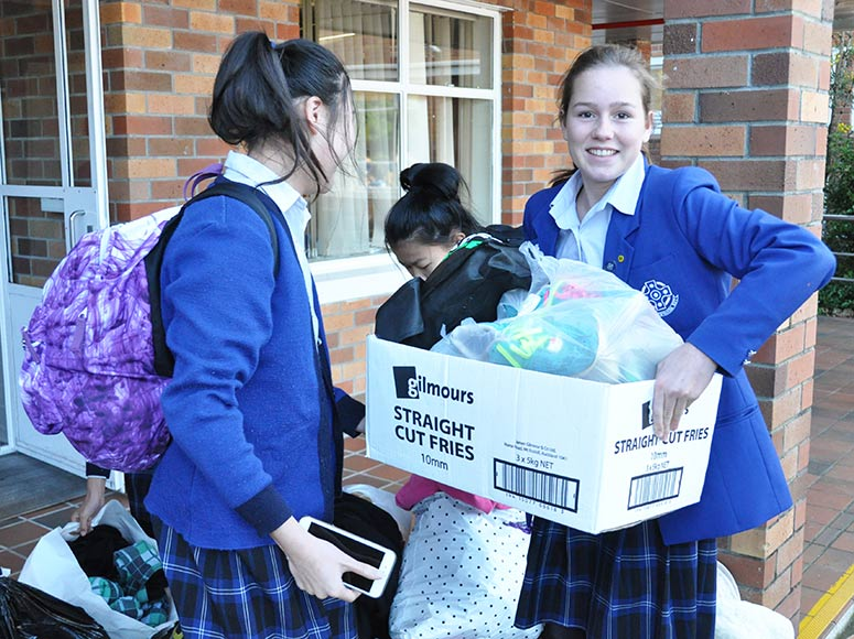Saint-Kentigern-College-Donating-Clothes.jpg